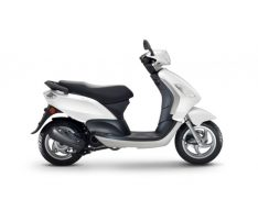 FLY-50-2T-PIAGGIO-SCOOTER-BLANC